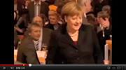 Atentado de cervejas a Angela Merkel - vídeo humor