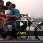 Sacar cavalos numa mota com 5 elementos - vídeo
