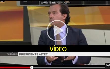 Vivemos em ditadura controlada por incompetência - video