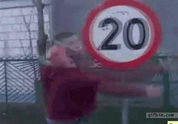 Pancada a 20 Km/h - gif
