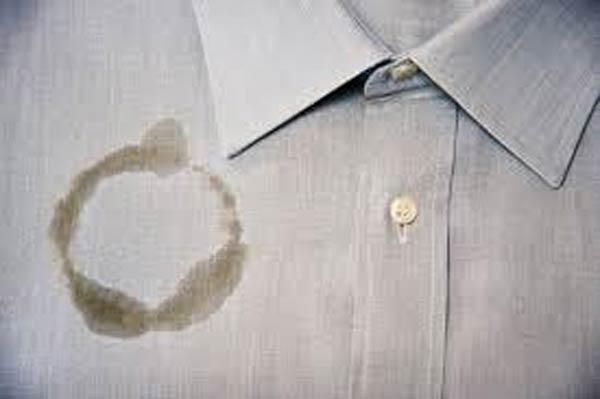 Como tirar nódoas de óleo da roupa